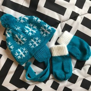 Other - Baby winter hat and mitten set